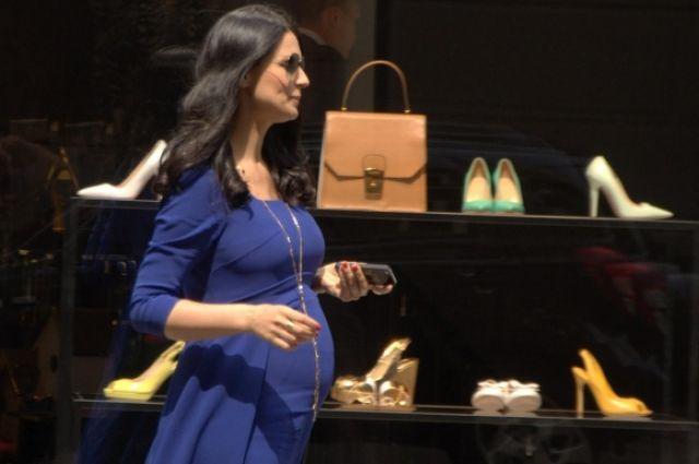 Беременная Маша Ефросинина на шоппинге