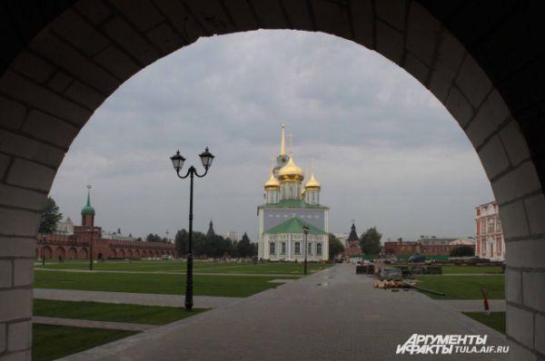 Заходя в арку, жители могут увидеть удивительную панараму
