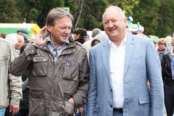 Уполномоченный при Президенте РФ по защите прав предпринимателей Борис Титов (слева).