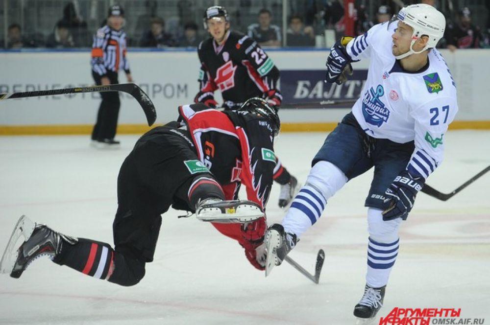 Хоккейный матч «Авангард»-«Адмирал».