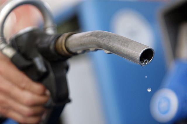 В Омской области в очередной раз повысились цены на бензин.