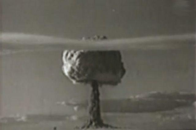 Ядерные испытания на Семипалатинском полигоне.