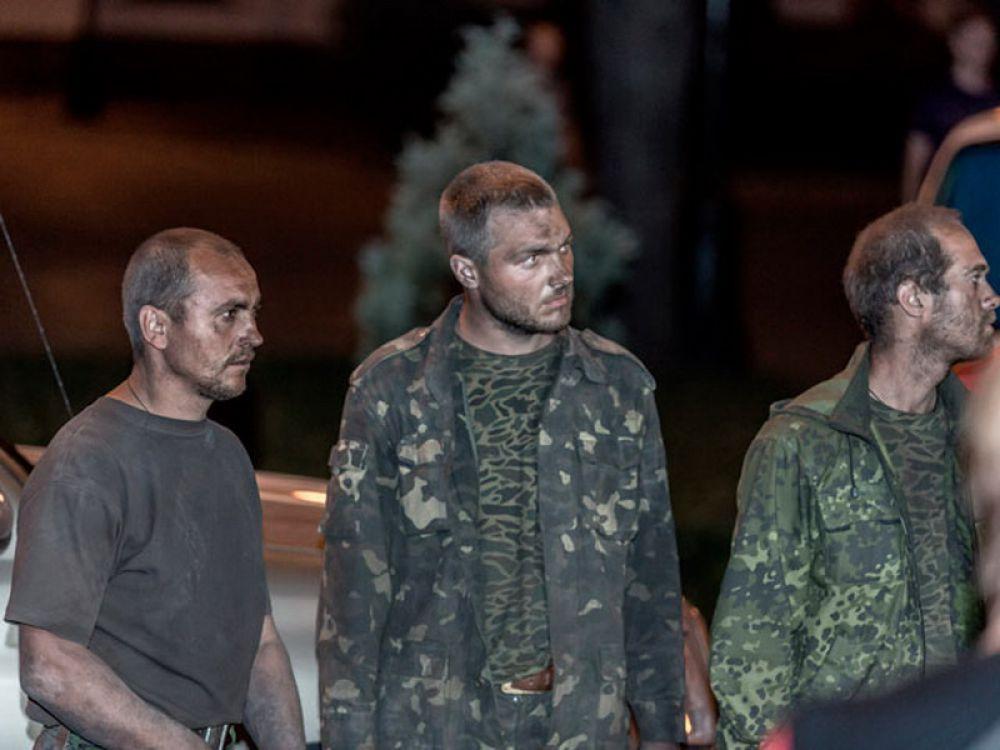 Сепаратисты освободили 15 украинских военных