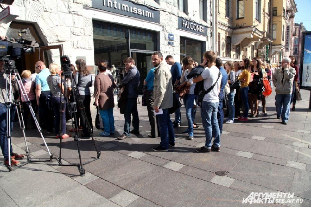 Большинство туристов фирмы отдыхают в данный момент в Болгарии и Греции.