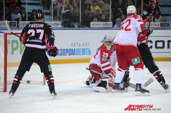 Хоккейный матч «Авангард»-«Витязь».