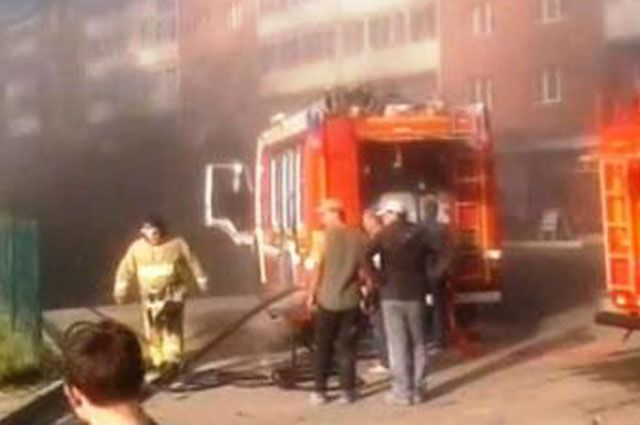 С огнем пожарным удалось справиться в течение получаса.