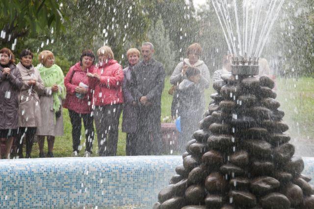 Первый городской фонтан в Омске снова работает.