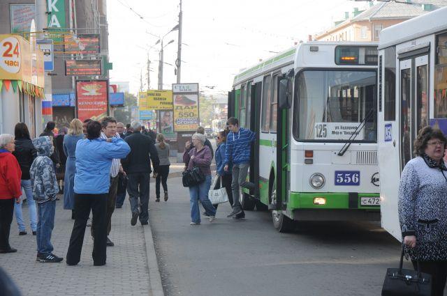 Некоторые маршруты в Омске временно поедут по другим маршрутам.