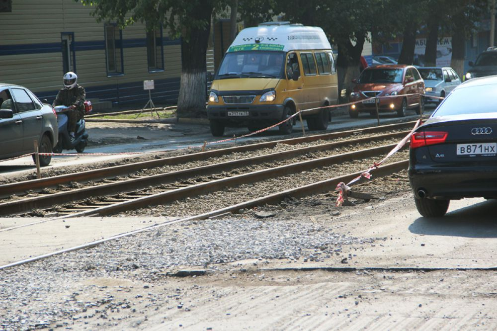 Со стороны улица Марата проезд ничем не лучше