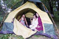 Обитатели общежития по ул. Рабоче-Крестьянской, 21 были вынуждены с семьями поселиться в палатке.