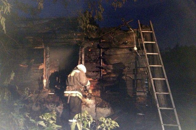 Возгорание произошло в одной из квартир двухквартирного дома.