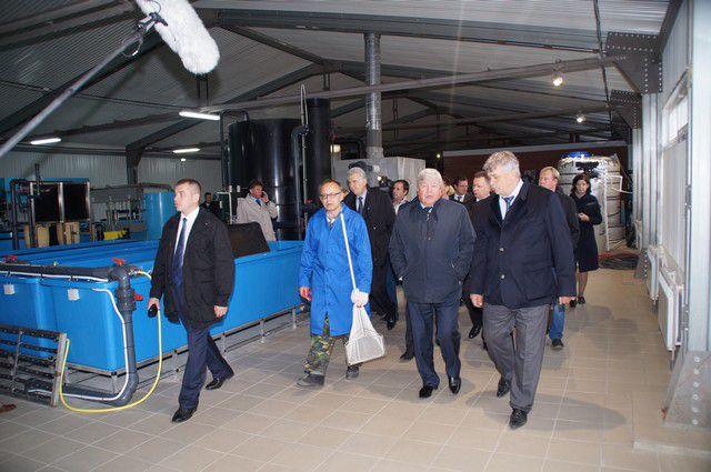 Николай Рогожкин посетил омский рыбзавод.
