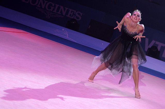 Анастасия Близнюк на гала-концерте в честь закрытия Чемпионата мира по художественной гимнастике в Киеве. 2013 год.