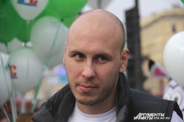 Глава СПБ.АВТО Святослав Данилов на акции у Казанского собора.