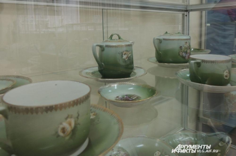 Чайный сервиз Дулевской фабрики им. «Правды». 20-30-е годы XX века.