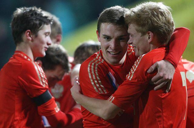 Игроки молодежной сборной России в матче отборочного турнира чемпионата Европы.