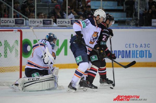 Хоккейный матч «Авангард»-«Амур».