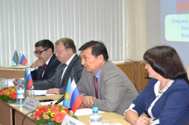 В Омск приехала делегация из Казахстана.