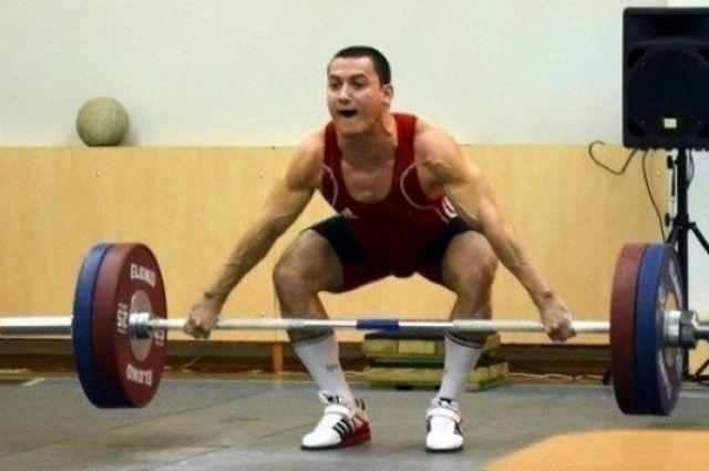 Победителю из Москвы Сергей уступил всего 2 килограмма в сумме.