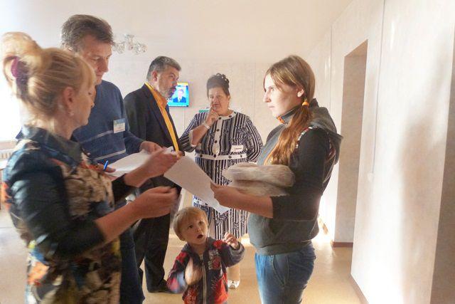 В основном, это — жители Донецкой и Луганской областей.