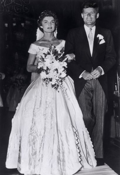 12 сентября 1953 года Жаклин Ли Бувье и Джон Кеннеди поженились. Свадебная церемония прошла в церкви Св. Марии в Ньюпорту в штате Род-Айленд.