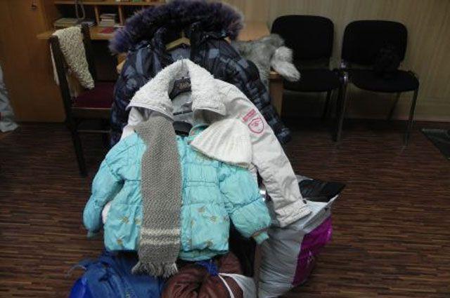 Теплые вещи в дар сейчас просто необходимы нуждающимся семьям Иркутска.