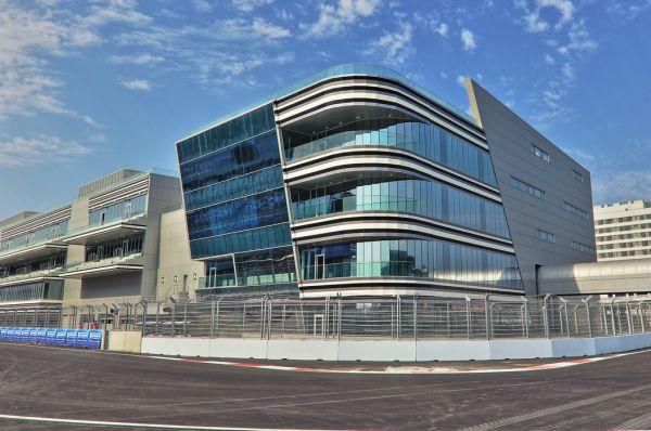 Даниил Квят выступает за Toro Rosso, дочернюю команду Red Bull. В распоряжении россиянина далеко не самая быстрая машина, но он уже обратил на себя внимание Формулы-1 серией ярких выступлений, включая Гран-при Италии.