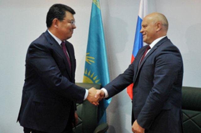 Виктор Назаров и Канат Бозумбаев договорились о сотрудничестве.