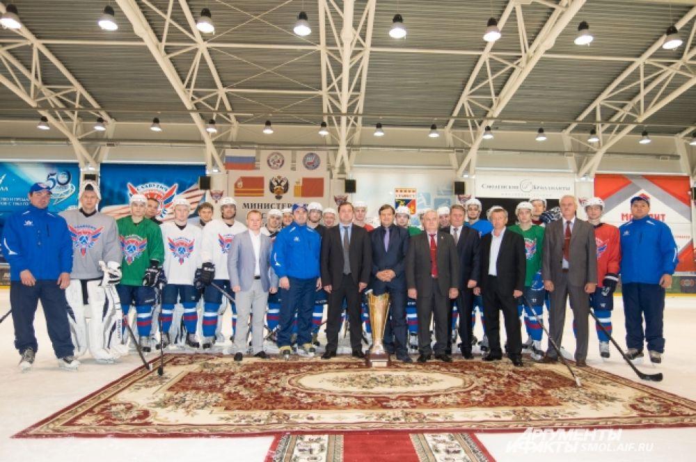 Пока мы не располагаем фотографиями еще троих игроков: Александра Гордеева, Сергея Арефьева и Сергея Бушмелева.