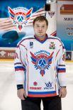 Сергей Лукьянов Родился в 1992 году, рост - 181 сантиметра, вес – 92 килограмм. На лед выходит под номером 80. Воспитанник ярославского ХК «Локомотив».