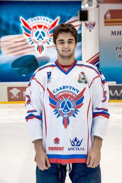 Игорь Мукосеев Родился в 1989 году, рост - 188 сантиметра, вес – 87 килограмм. На лед выходит под номером 52. Воспитанник тольяттинского ХК «Лада».