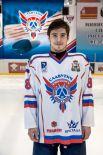 Максим Кузнецов Родился в 1989 году, рост - 175 сантиметра, вес – 78 килограмм. На лед выходит под номером 25. Воспитанник московского ХК «Динамо».