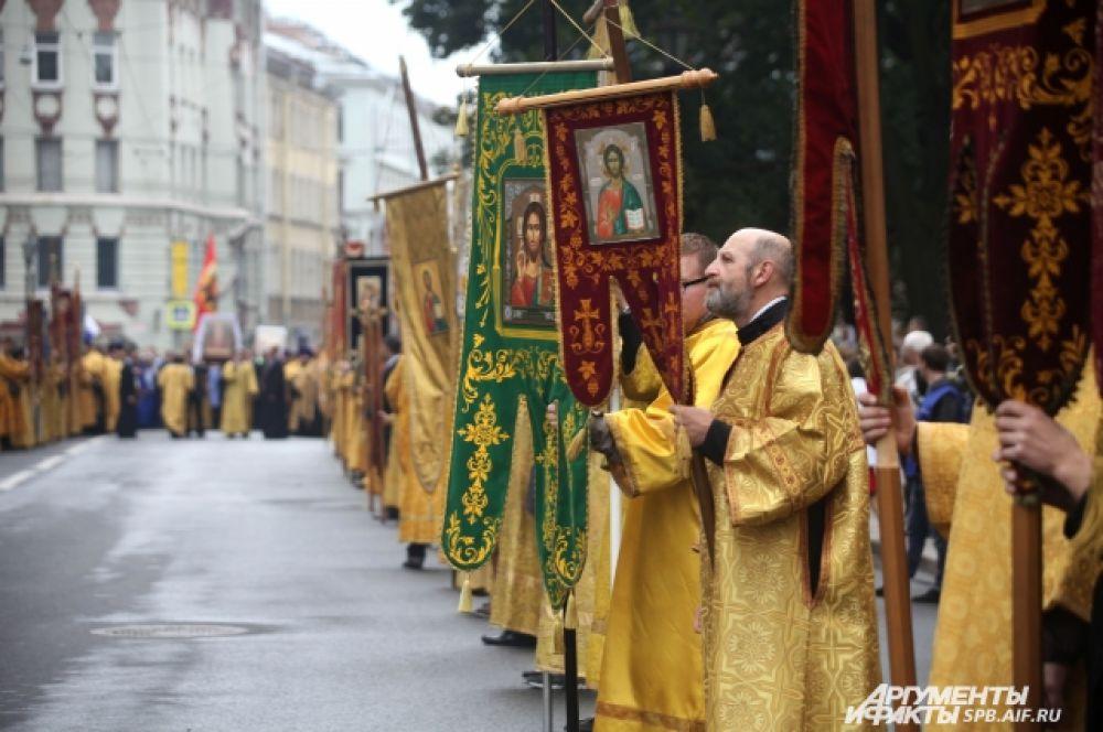 Традиция крестного хода 12 сентября возобновилась в 2013 году.
