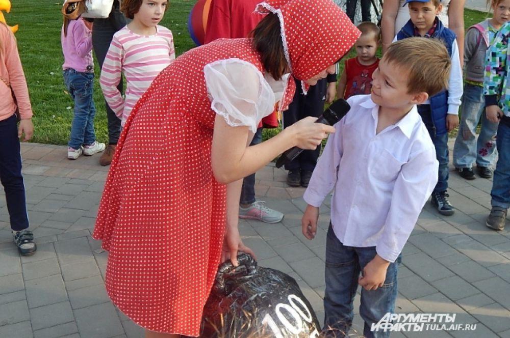 Юный богатырь Никита бойко общался со сказочной