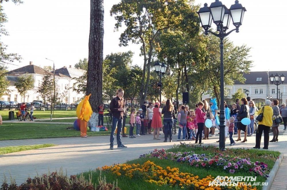 12 сентября в сквере у Кремля было шумно