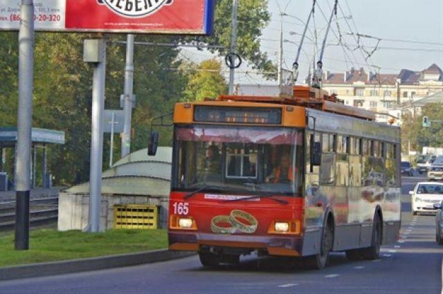 Движение троллейбуса №1