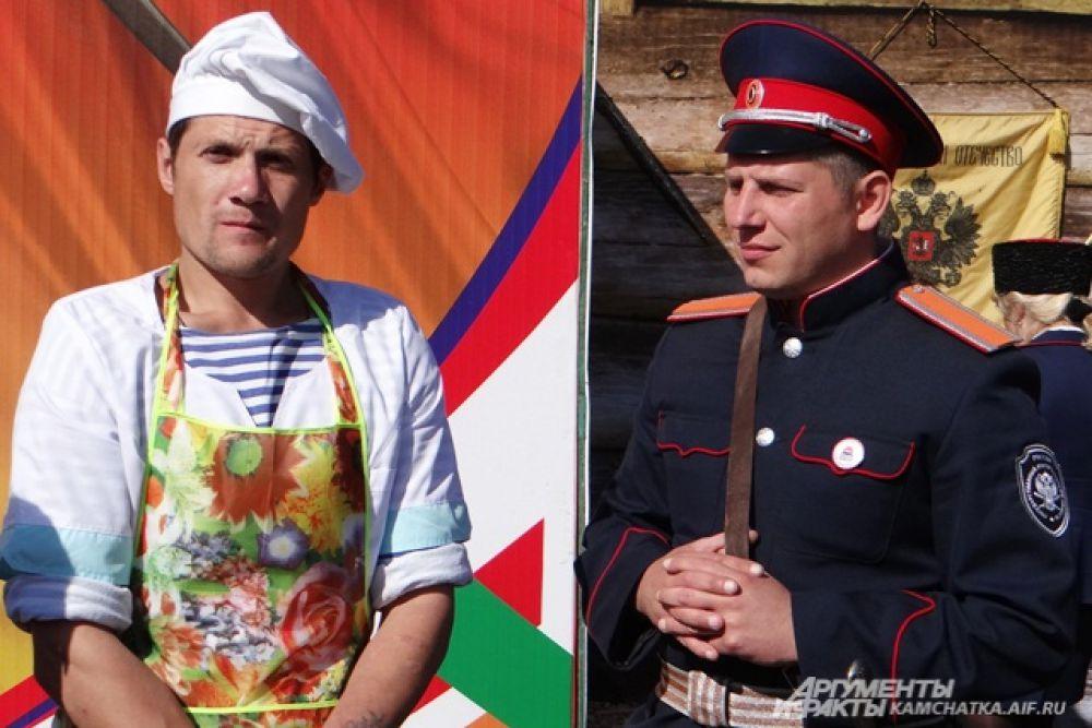 Хозяева угощали гостей блюдами национальной кухни.