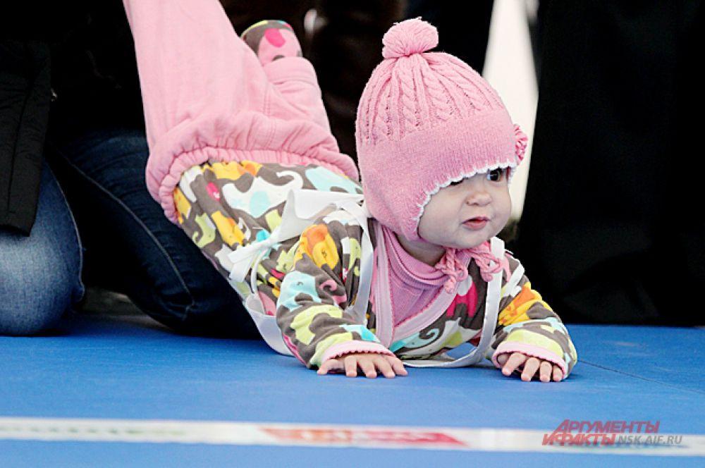 Малыш уже готов к «низкому старту».