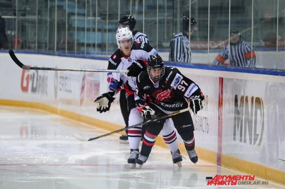 Хоккейный матч «Омские ястребы»-«Белые медведи».
