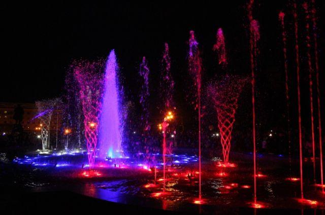 «Поющий» фонтан в центре Челябинска будет работать ежедневно до октября