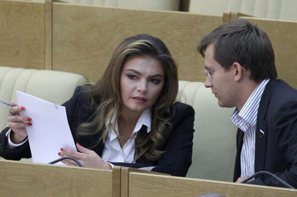 Депутатом Государственной думы Кабаева стала в 2007 году, будучи к этому времени членом высшего совета «Единой России» и членом Общественной палаты.