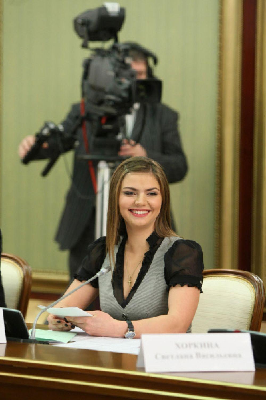 Кабаева занималась благотворительными акциями в Альметьевске, а также в Южной Осетии.