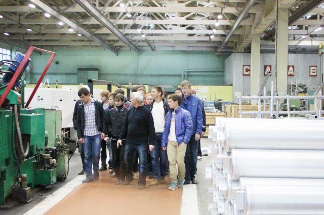 Экскурсионная группа из Миасского машиностроительного колледжа.