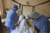 Раненый боец в госпитале