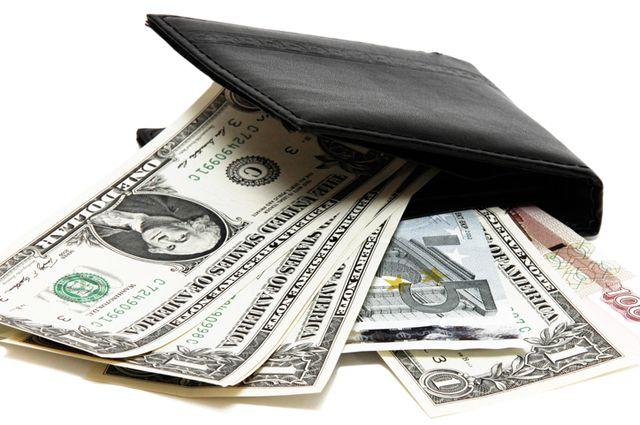 Всего с начала 2014 года для физлиц банком оформлено 211 тысяч кредитов.
