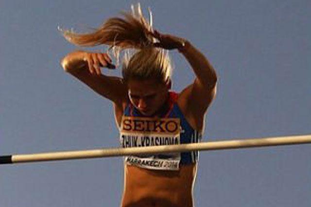 23-летняя иркутянка Ангелина Краснова-Жук. Спортсменка в составе сборной команды Европы заняла второе место в прыжках с шестом.