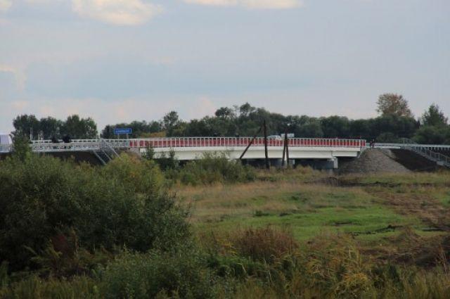 Новый мост через реку Карасук.