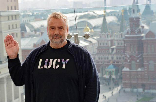 Люк Бессон во время фотоколла в рамках презентации фильма «Люси».