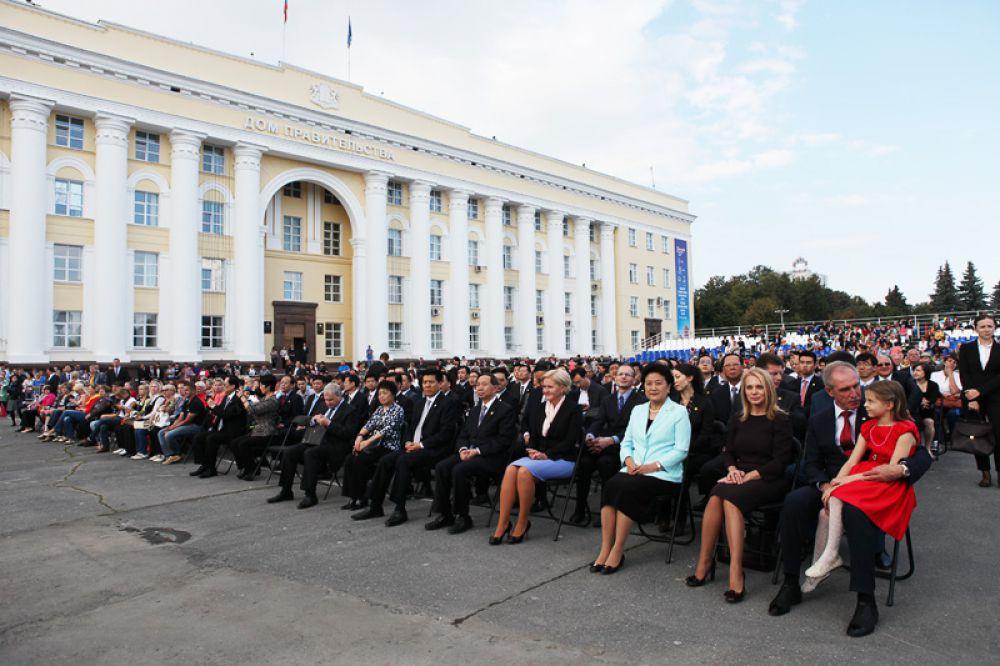 """На выступлении """"Тысячного хора Ульяновской области"""" на площади Ленина."""