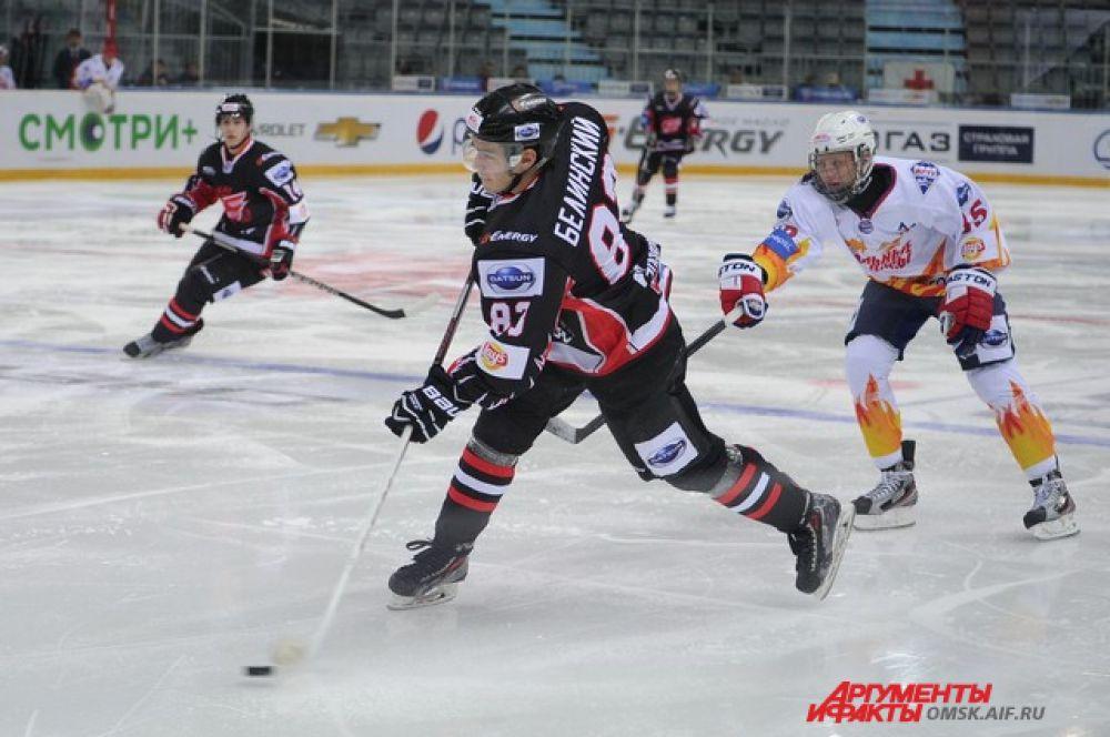 Хоккейный матч «Омские ястребы»-«Стальные лисы».